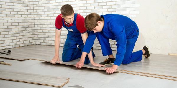laminate-floor-covering-600x300